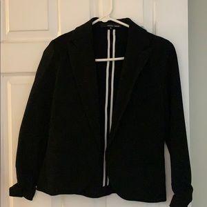 Black blazer by Amanda and Chelsea 💼